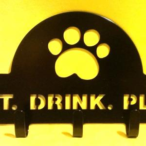 Eat. Drink. Play Leash holder